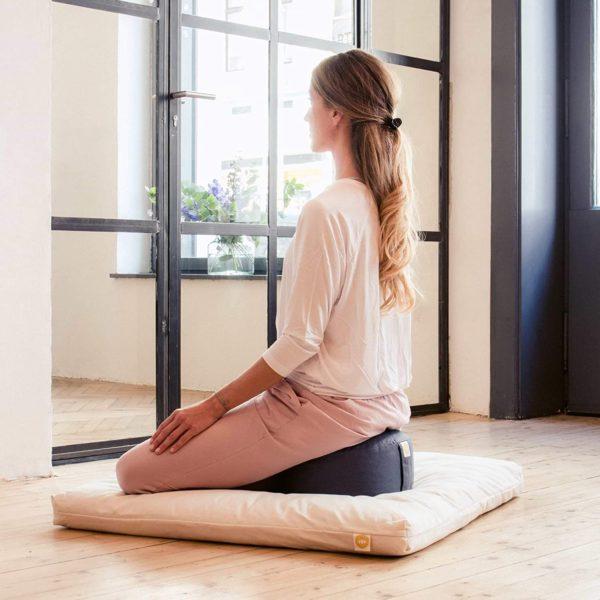 Meditationskissen Lotus Anwendung